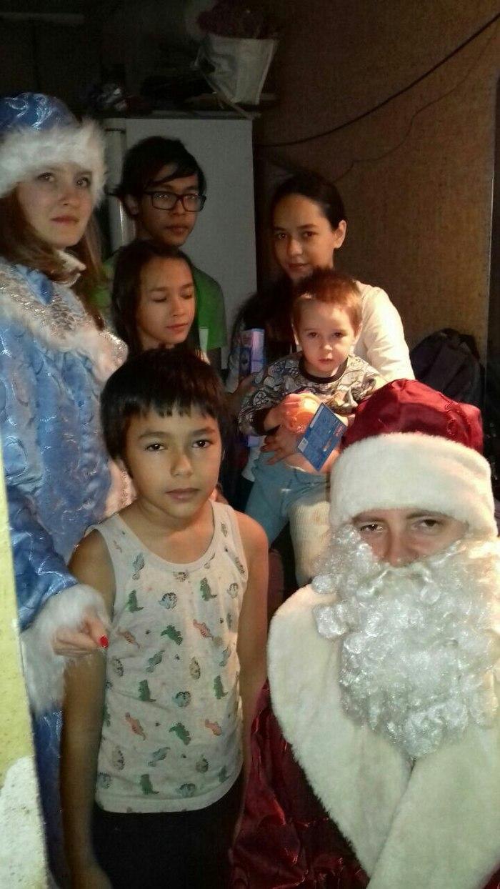 Поздравление детей Снегурочкой и Дедом Морозом Дети, Поздравление, Дед Мороз, Снегурочка, Новогодние подарки 2018, Длиннопост