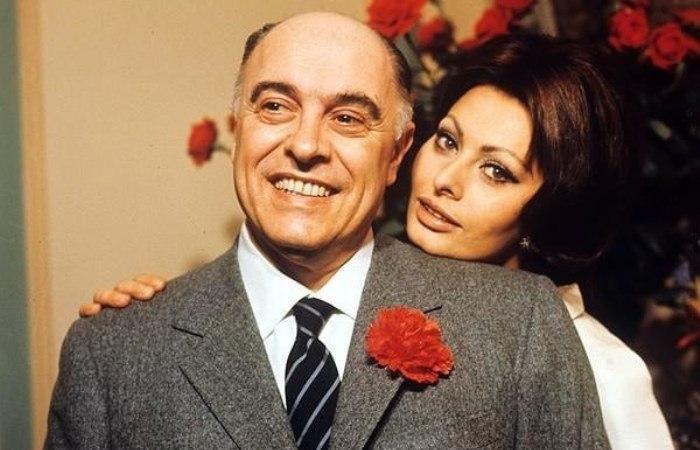 Долгий путь к счастью Софи Лорен и Карло Понти: Почему в Италии призывали  бойкотировать фильмы знаменитой пары | Пикабу