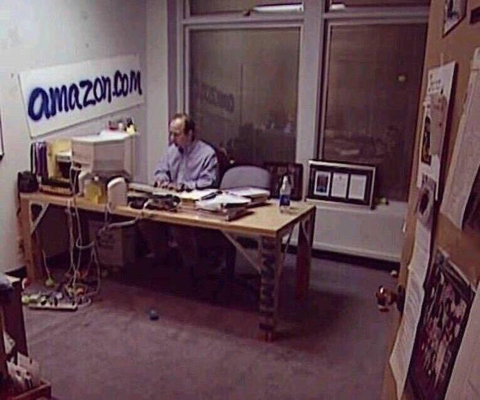 Осень 1999 года Amazon, Blue Origin, Джефф Безос