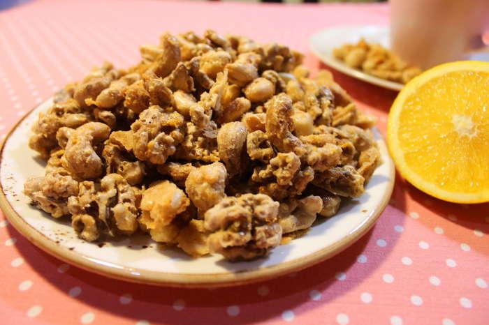 Орехи в острой карамели с апельсином и чили Орехи, Карамель, Десерт, Сладости, Видео рецепт, Еда, Рецепт, Арахис, Видео, Длиннопост