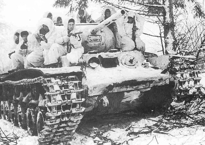 Когда слишком много читаешь про политику Путин, Фотография, Великая Отечественная война, Показалось, Кв-1с, Советские танки, Теги явно не мое
