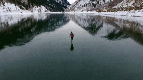 Зима, озеро, коньки.