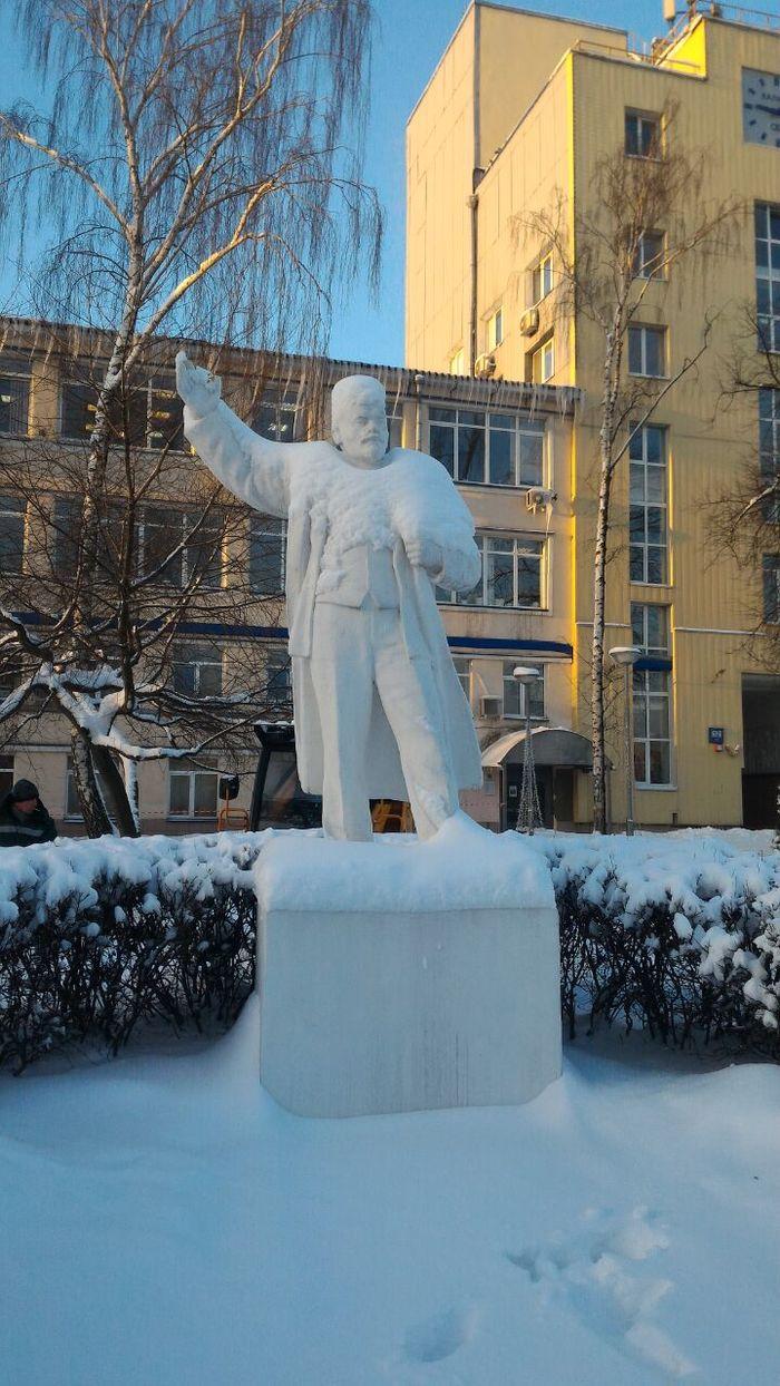 Снежный волшебник. Ленин, Прическа, Снег, Снегопад, Калибр, Элвис пресли