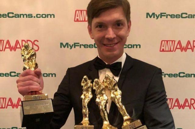 """Россиянин, завоевавший 4 """"порно-Оскара"""": У меня было три тысячи девушек порнооскар, порноактер, Россия, Санкт-Петербург, четыре трофея"""