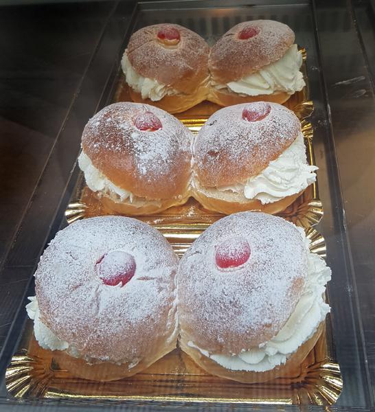 Десерт сиська