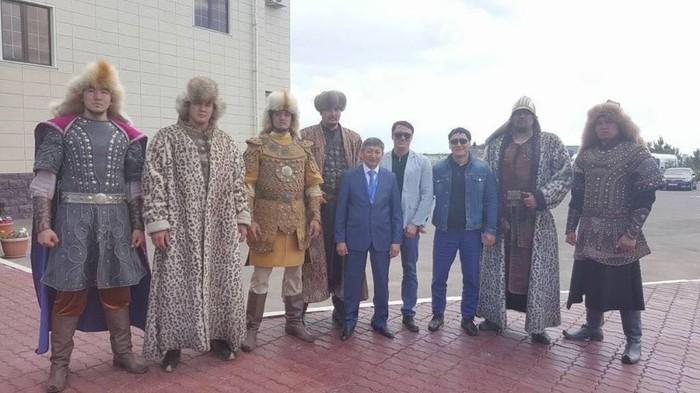 Дядя из Казахстана прислал фото Казахстан, казахи, фотография, богатырь, батыр