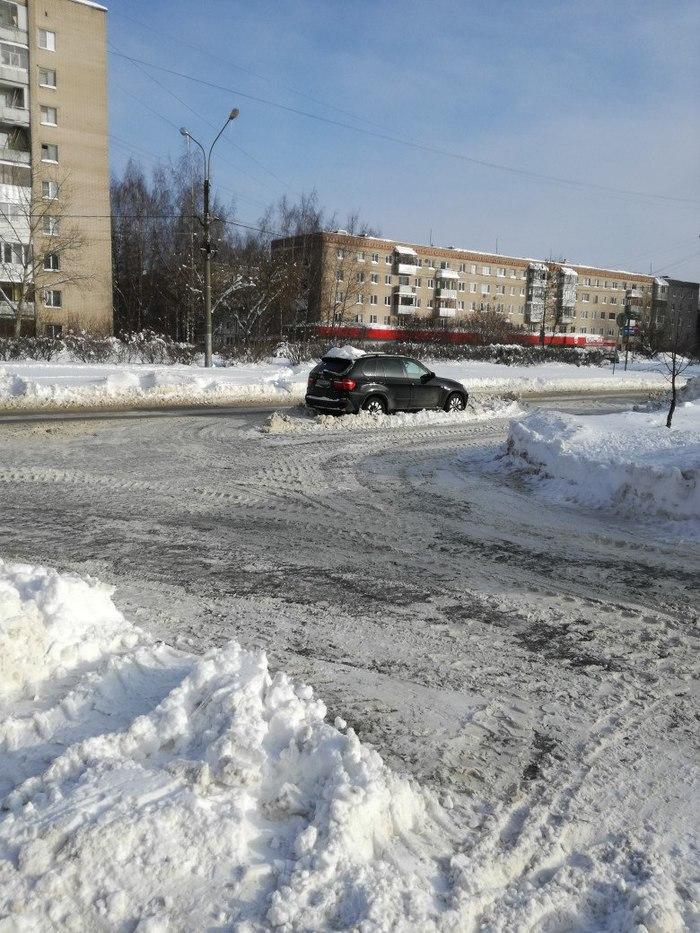 Проезжая часть после расчистки от снега