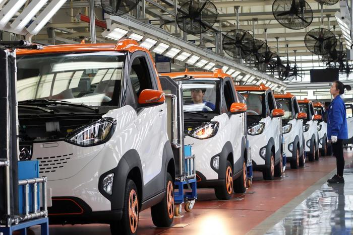 Поступил в продажу электрокар Baojun E100 за 5,6 тысяч долларов Электромобиль, Китай, Экология, Транспорт, General Motors
