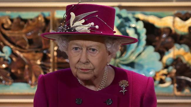 Королева запрещает использовать пластик Королева, Великобритания, Пластик, Дворец, Длиннопост
