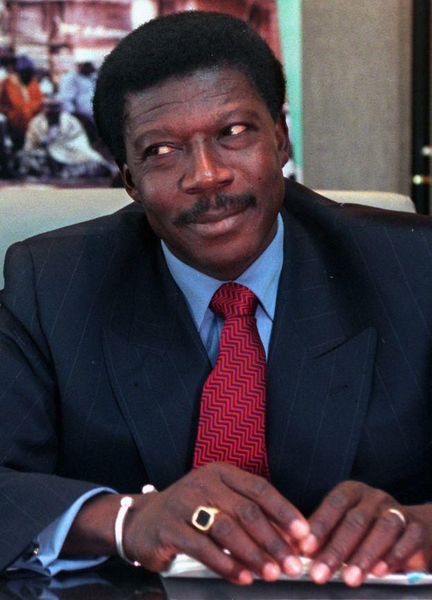 Как деревенский парень из Мали украл у банка 242 млн долларов и ничего ему за это не было Умный негр, Большая афера, Благотворительность, Многожёнство, Нечто непонятное, Вуду, Длиннопост