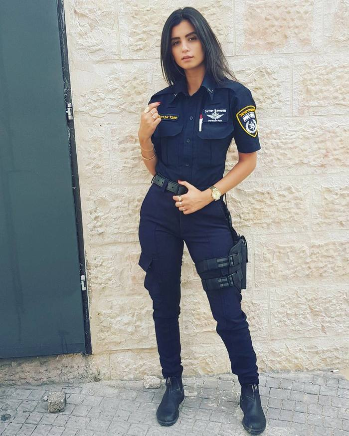 увидите порно модели в полицейской форме военный фото установив его