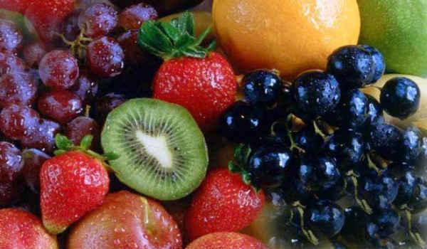 Помощники во время аллергии. Что можно съесть, чтобы облегчить симптомы поллиноза? Аллергия, Поллиноз, Березы, Кверцетин