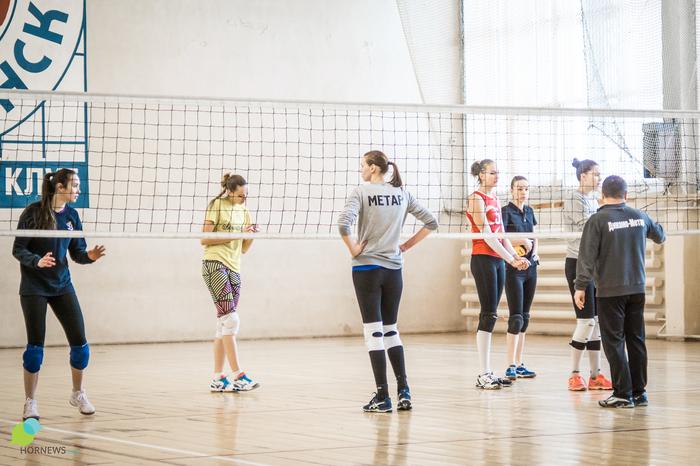 86-летний тренер рассказал, как работается с красавицами-волейболистками Спорт, Волейбол, Динамо, Челябинск, Hornews, Длиннопост