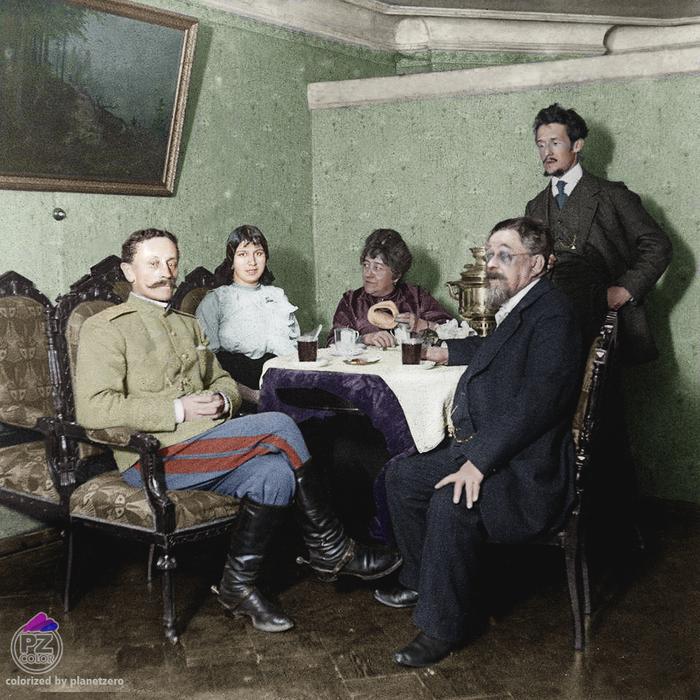 Чаепитие. Ярославль. 1900-е. Колоризация ч.б. фото