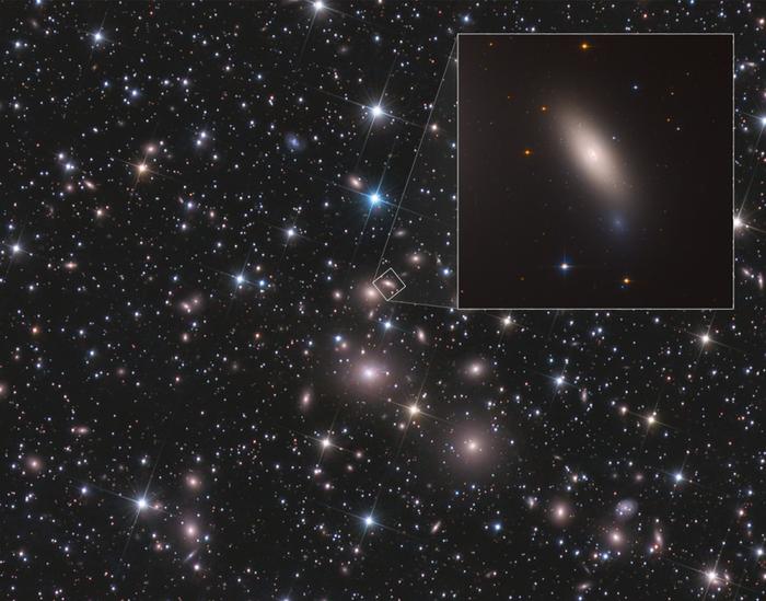«Хаббл» изучил «мертвую» реликтовую галактику NGC 1277 Космос, Телескоп Хаббл, Галактика, Созвездия, Созвездие персея, Масса, Длиннопост, Астрономия