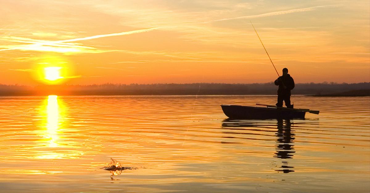 Картинки с рыбаками в лодке