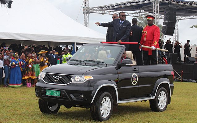 Президент Намибии на кабриолете УАЗ «Патриот» авто, УАЗ, патриот, намибия