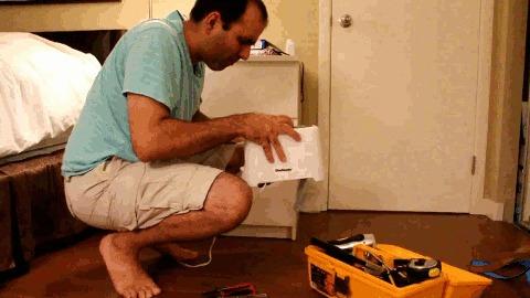 Как НЕ надо делать электрогитару(или опасность электричества) Electroboom, Mehdi Sadaghdar, Перевод, Видео, Электричество, Опасность, Электрогитара, Техника безопасности, Гифка, Длиннопост