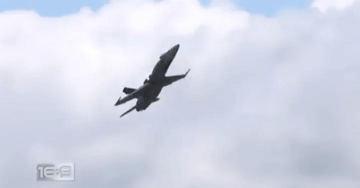 Падение самолета гифка