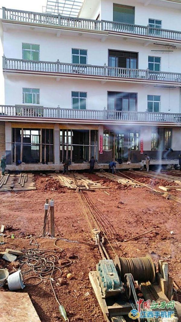 Китаец передвинул дом на 40 метров, чтобы избежать сноса Китай, дом, снос, длиннопост, перенос дома, фотография