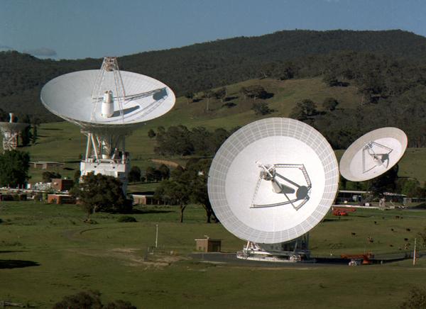 Как NASA связывается с космическими аппаратами, находящимися от нас в миллиардах километрах? NASA, радиотелескоп, космос, длиннопост