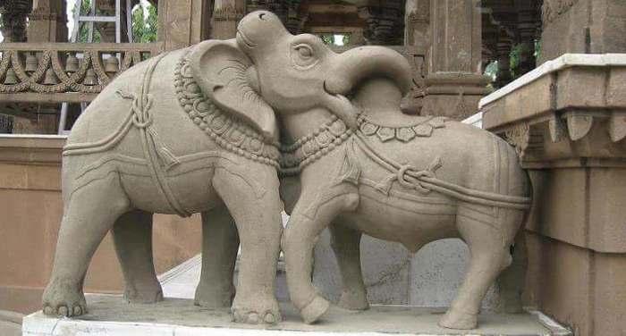Голова слона или быка? Слоны, Бык, Скульптура, Иллюзия, Фотография, Индия