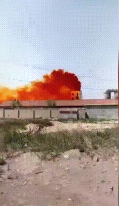 На химическом заводе в Китае взорвалась цистерна с бромом
