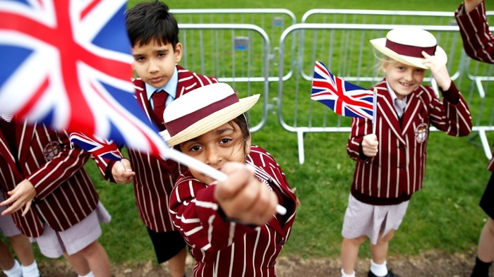 Daily Mail: шорты пали жертвой в борьбе за гендерное равенство в британских школах. Лгбт, Привилегии меньшинств, Великобритания, Толерантность, Daily Mail, ИноТВ, Russia today, Длиннопост