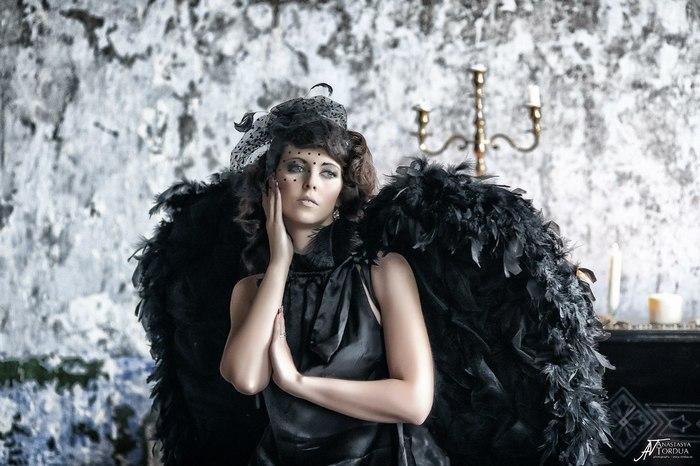 Белый и черный ангел Красивая девушка, Фотомодель