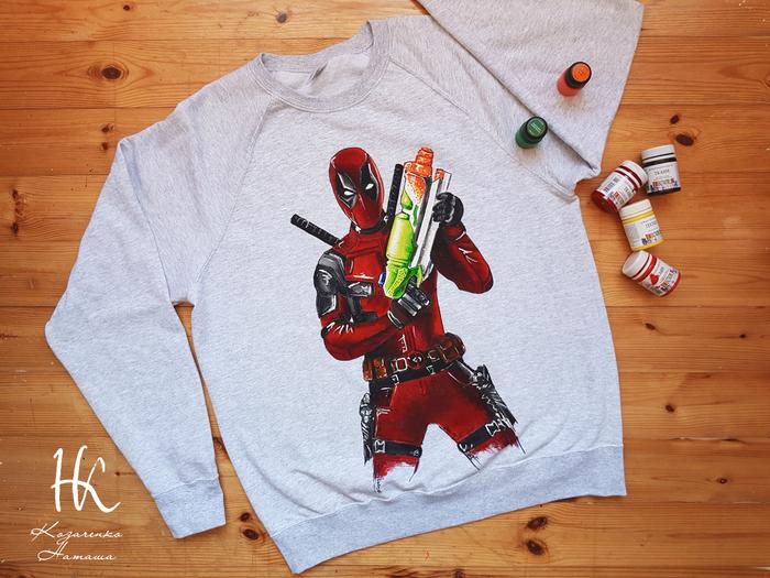 Кофта с ручной росписью Deadpool