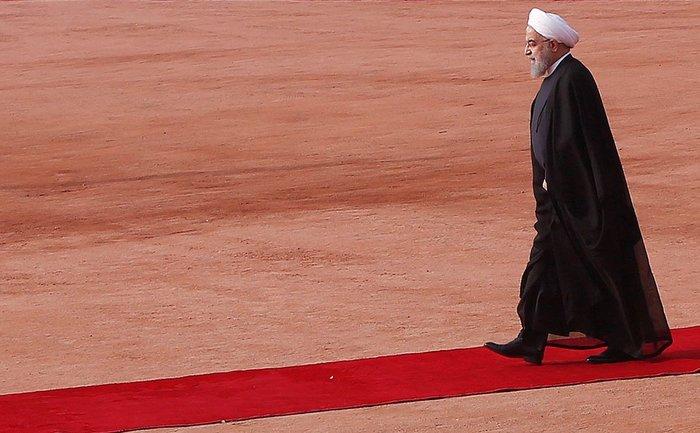 Президент Ирана решил «поставить Америку на колени» Общество, Политика, Иран, Колено, США, Президент, Угроза, Санкции