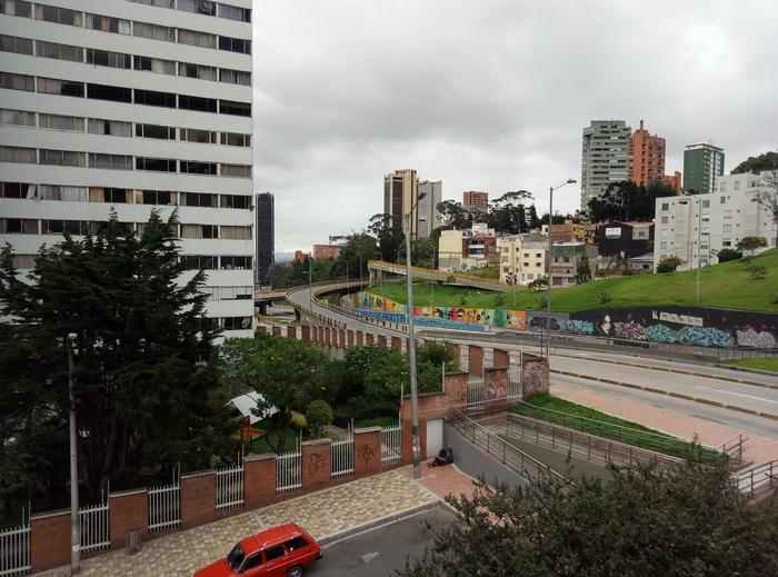 """Как живут люди в Колумбии или не будь как """"Орел и решка"""" Богота, Колумбия, Городская среда, Мегаполис, Длиннопост"""