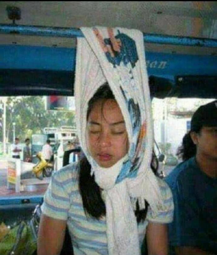 Азиаты лучше знают как спать в общественном транспорте Азиаты, Сон, Смешное, Забавное, Как спать, Что происходит?, Зачем, Длиннопост