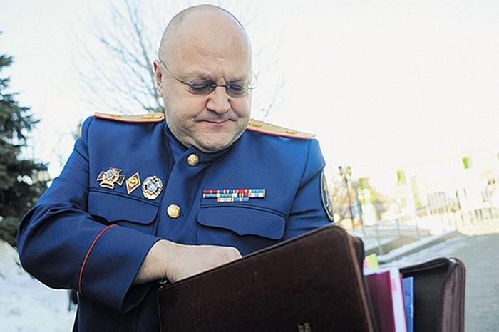 Версия: Генерал Дрыманов брал взятки в мешках для одежды. Дрыманов, УСБ, следственный комитет, Борьба с коррупцией, политика