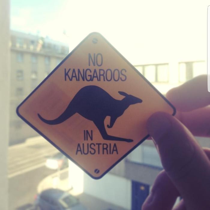 Сувенирные наклейки в Австрии Австрия, Австралия, Кенгуру, Не путать