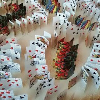 Карточный эффект домино