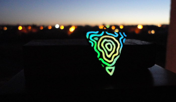 Neon lines & mineral Неон, Люминофор, Светящиеся амулеты, Ручная работа, Амулет из дерева, Длиннопост