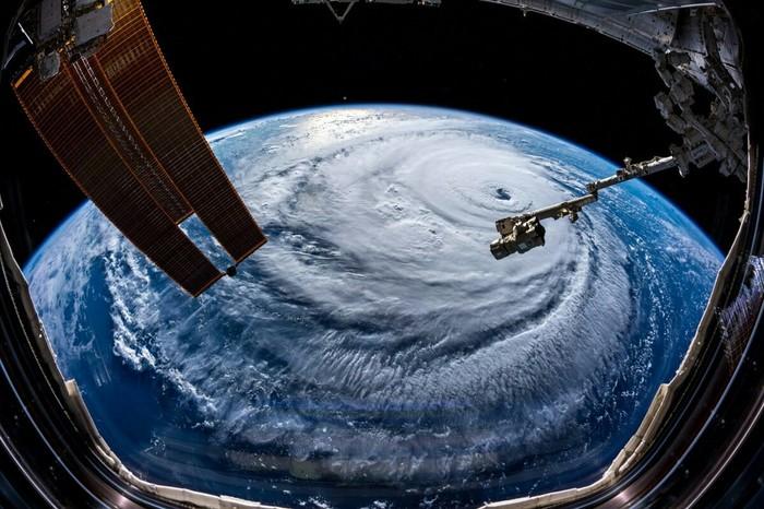 Фотографии урагана Флоренс с МКС Ураган, МКС, Фотография, Длиннопост, Ураган Флоренс