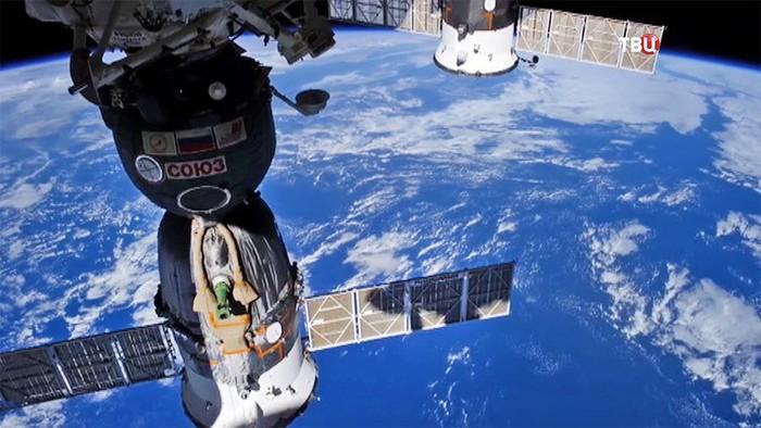 Песков заявил, что Рогозин контролирует ситуацию на МКС. Роскосмос, МКС, Новости, Космос, Длиннопост
