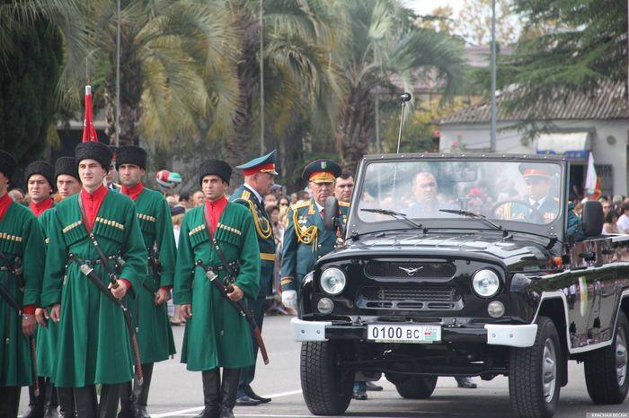 Как отпраздновали 25 лет победы над Грузией в Абхазии Абхазия, Победа, Праздники, Политика, Репортаж, Парад, Сухум, Длиннопост