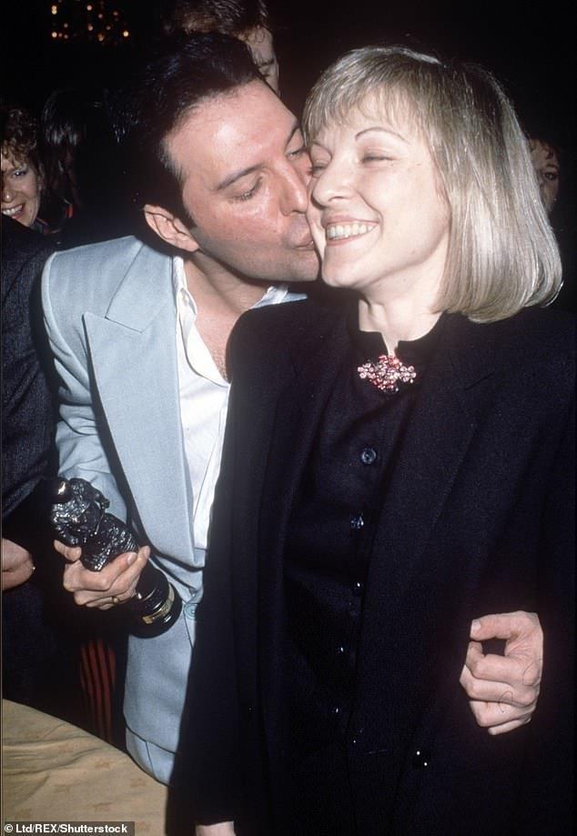 Фредди Меркьюри и единственная женщина в его жизни - Мэри Остин Фредди, Меркьюри, Остин, время, жизнь, жизни, Queen, когда, своего, особняке, фильм, своей, Брайан, фильма, Богемская, который, больше, рапсодия, потому, смерти
