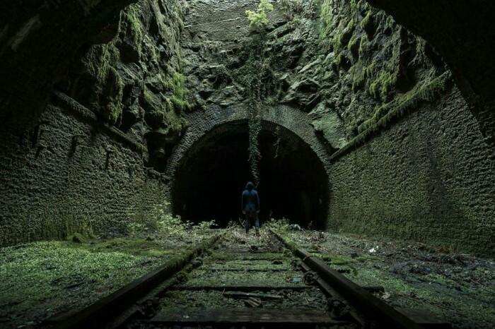 Старинный железнодорожный туннель в Великобритании.
