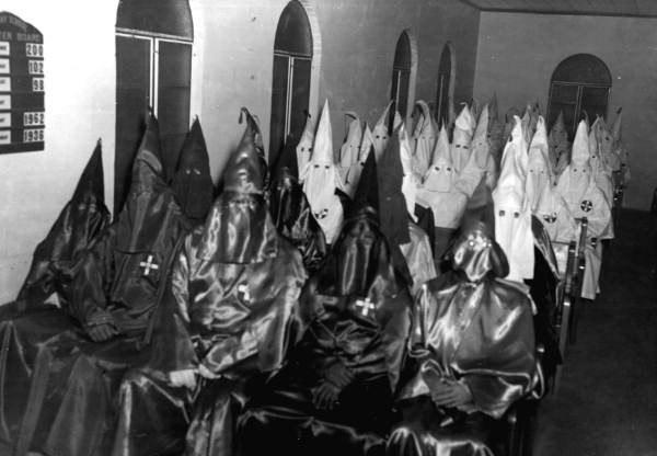 Встреча ККК в церкви в Малберри, штат Флорида, 1956 год.