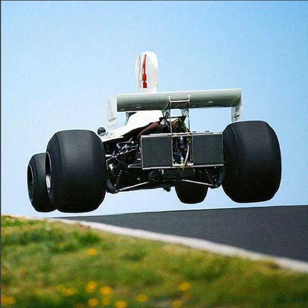 Вот это полет! Формула 1, Джеймс Хант, Hesketh-Ford 308, 1975 г, Нюрбургринг