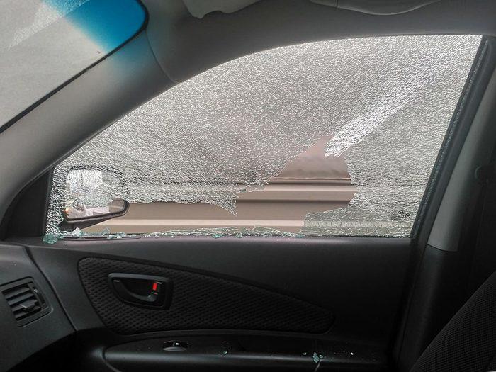 Поймал камень в окно Лига юристов, Возмещение ущерба, Автомобильное стекло, Tucson, Юридическая консультация