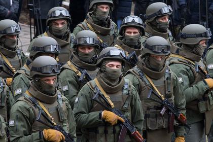 Украинские солдаты разгромили базу отдыха на границе с Крымом Украинцы, Украина, Украинские солдаты, Вандализм, Вор, Крым, Алкаш, Военное положение