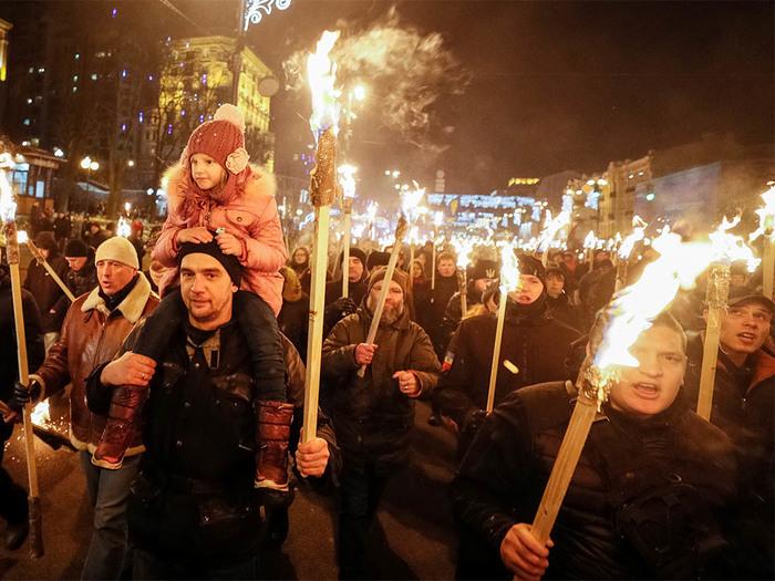 Факельное шествие в честь дня рождения Бандеры прошло в Киеве Украинцы, Фашизм, Длиннопост, Украина, Политика, Шествие