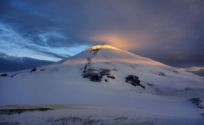 Восточная вершина Эльбруса на рассвете. Утро, Эльбрус, Рассвет, Позитив, Интересное, Фотография