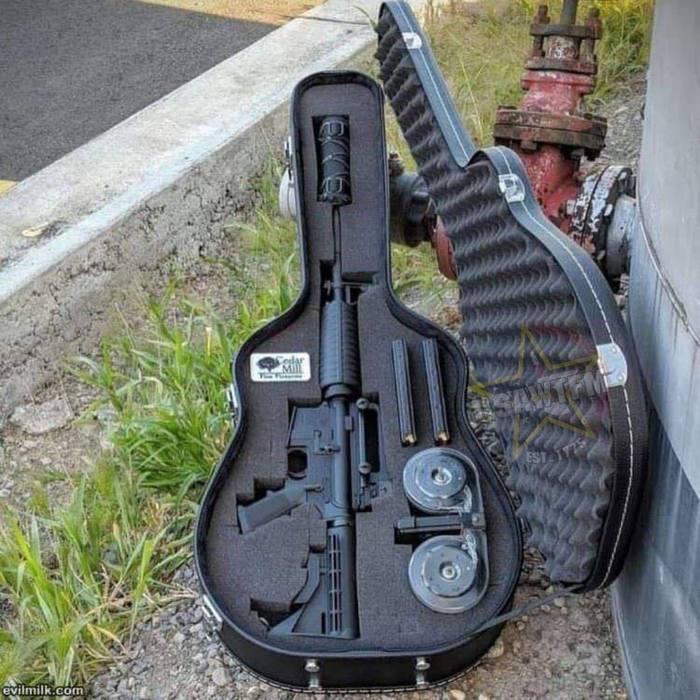 Для особенных любителей музыки Оружие, Музыка, Автомат, Гитара