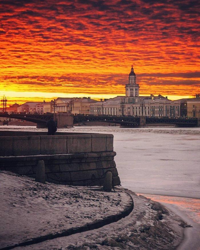 Питерские места(Нева,вид на Кунсткамеру)